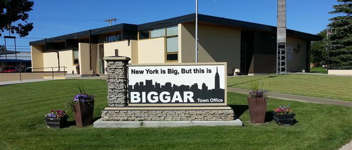 Photo of the town office in Biggar, Saskatchewan